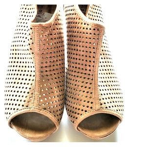Madden Girl ♡ Booties ♡ Size 8